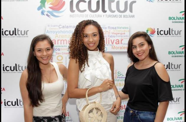 Paola Rueda, Andrea Gómez y Estephanía Rueda.