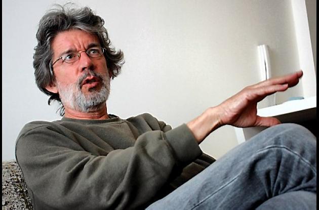 El escritor Tomás González.