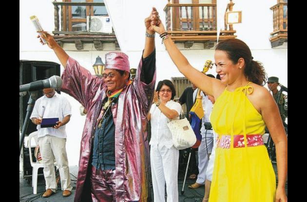Michi Sarmiento, recibió la medalla cívica gran comendendador