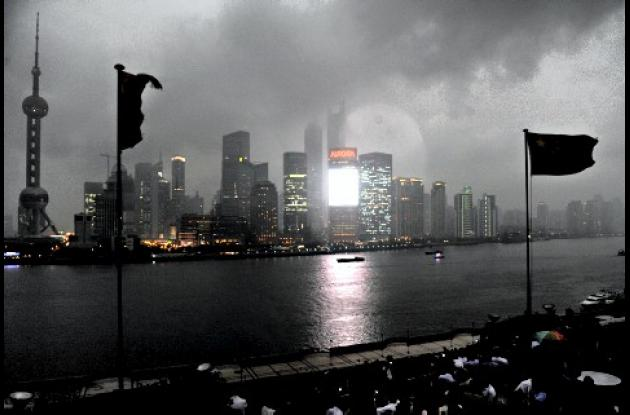 Vista de la ciudad de Shangai bajo el eclipse.