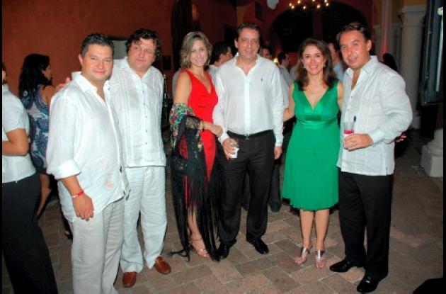 De izquierda a derecha: Eduardo Michelsen, presidente de Televisa Colombia; Rodrigo Sepúlveda, Carmen Otero de Millán; Benoit Delgrange, Patricia Fajardo y Emilio Escárraga, presidente de Televisa.
