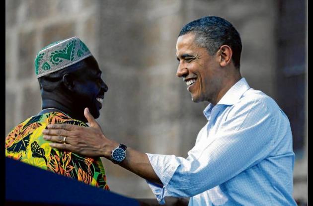 Sebastián Salgado recibe el abrazo del presidente Obama