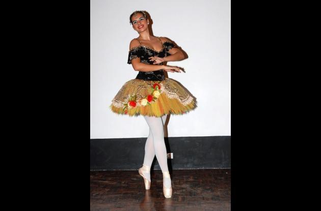 La Academia de Danzas Los Cisnes en el Cavi