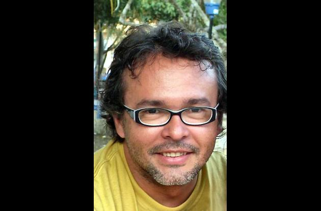 El escritor John Jairo Junieles.