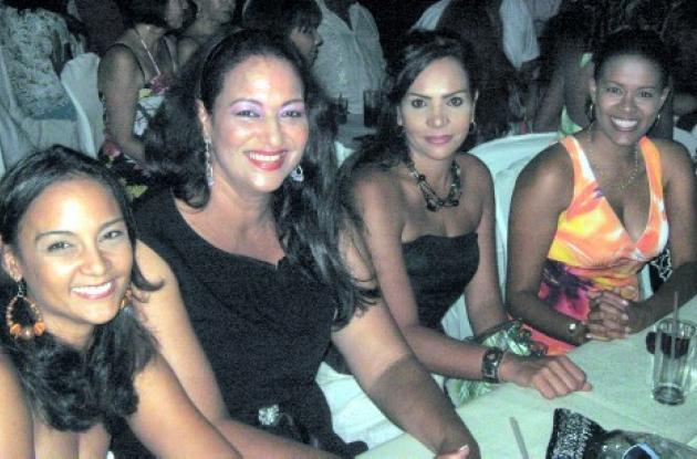 Marcia Angarita Stephens, Laura Jaramillo, Andrea Stephens y Jackeline Howard.