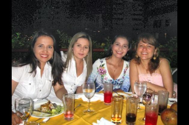 Angélica Rojas, Jenny Arteaga, Mariluz Moreno y Sandra Torres.