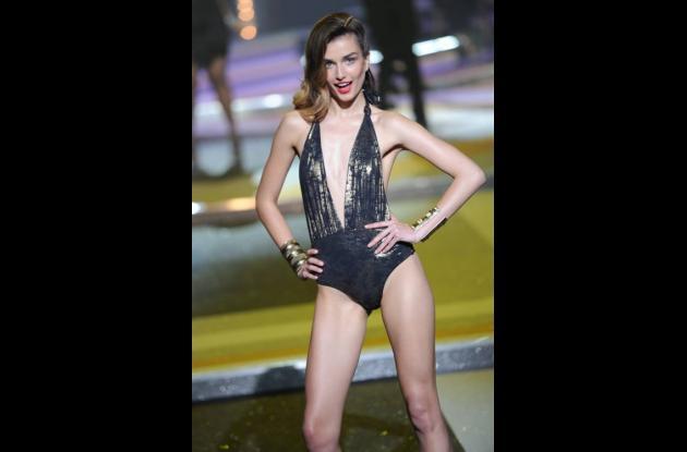 La modelo Natalia Vodianova presenta su colección
