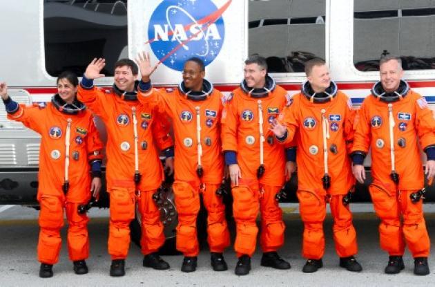Tripulantes del transbordador Discovery