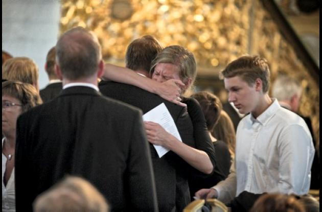 Familiares de víctimas de la masacre en Oslo, Noruega