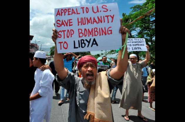 Manifestantes pro Gadafi en Libia