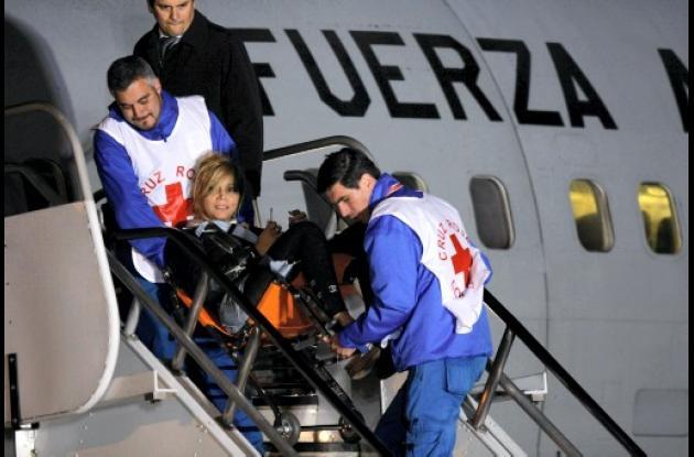 Colombianos procedentes de Japón en avión de la FAC