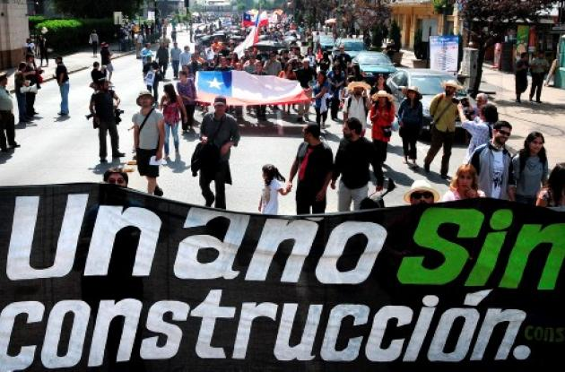 Chilenos conmemoran un año del terremoto