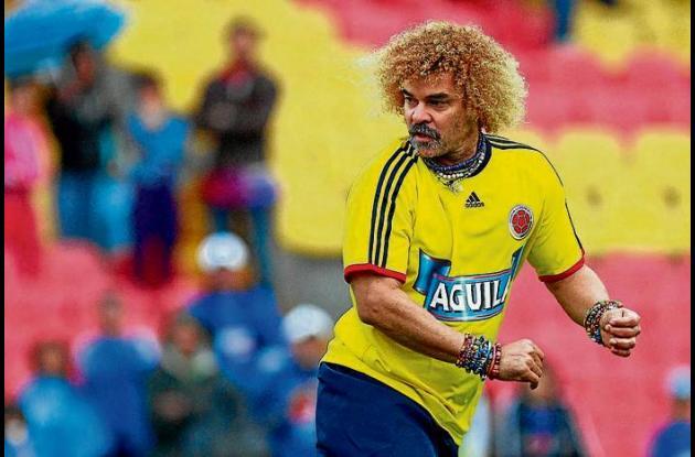 El Pibe Valderrama jugando para la Selección Colombia.