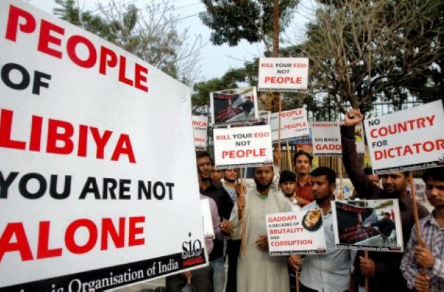 Manifestantes de India en Libia