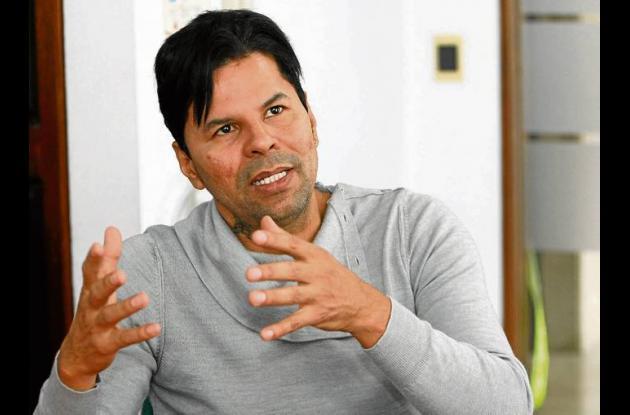 El  escritor cartagenero Efraim Medina Reyes.