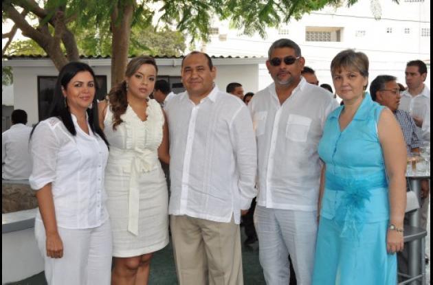 Evelyn tirado, Isabel Rosales, Jorge Visbal, Luis Cárdenas y Angélica Echávez.