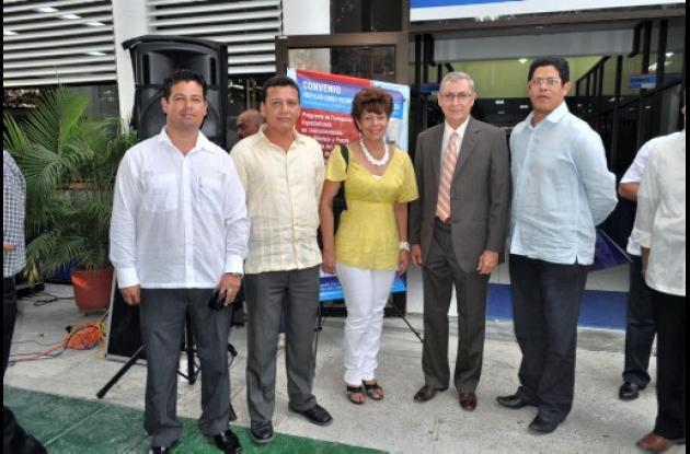 Luis Felipe Perilla, Luis Chavarriaga, Nereida Correa, Claudio Osorio y Jorge Vi