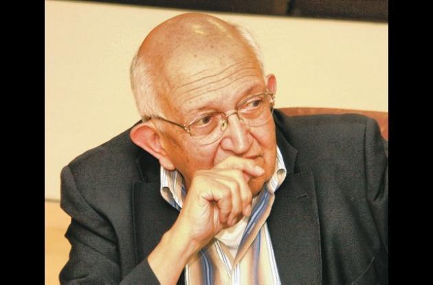 El periodista y escritor Plinio Apuleyo Mendoza