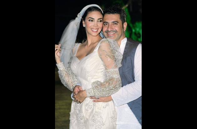 Se casó la ex reina Carolina García