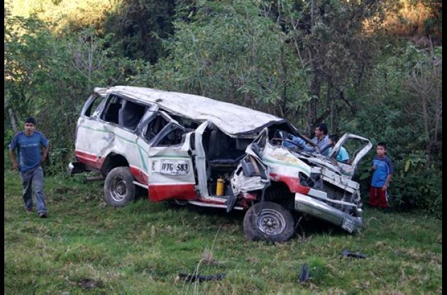 Mueren 11 personas en accidente en bus en Nariño