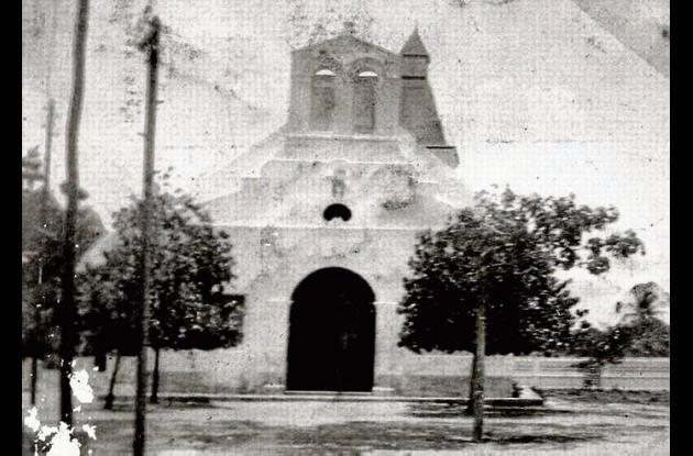1922. Fachada de la Ermita de la Candelaria.