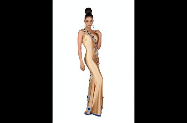 Aspirantes a Miss Universo en traje de noche