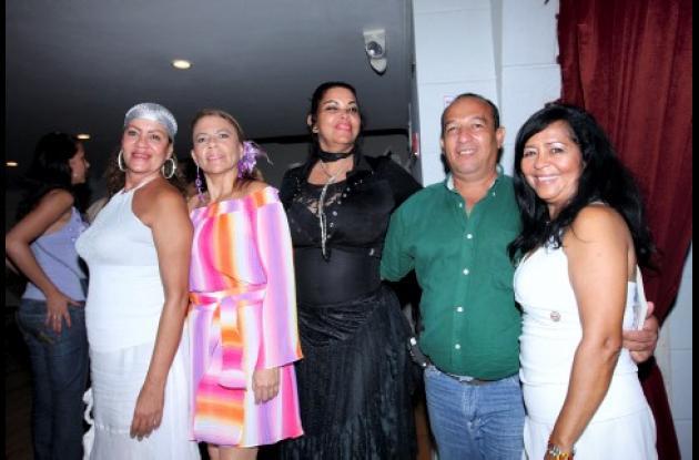 Isabel Covilla, Arleth Agudelo, Sandra Amador, Jesús Taborda y Emelia Amor.