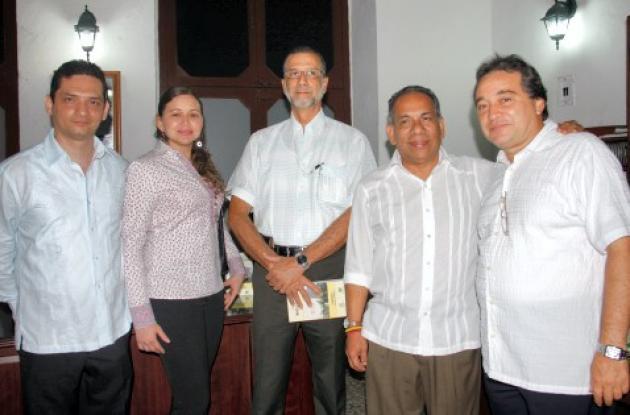 Lanzan libro de Francisco Herrera