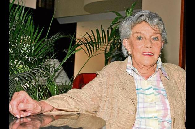 Gloria Valencia de Castaño.