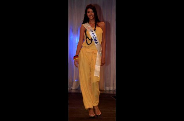 Las reinas ante empleados del Hilton Cartagena