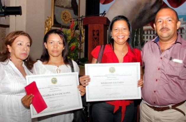Lanzan Premio Compartir
