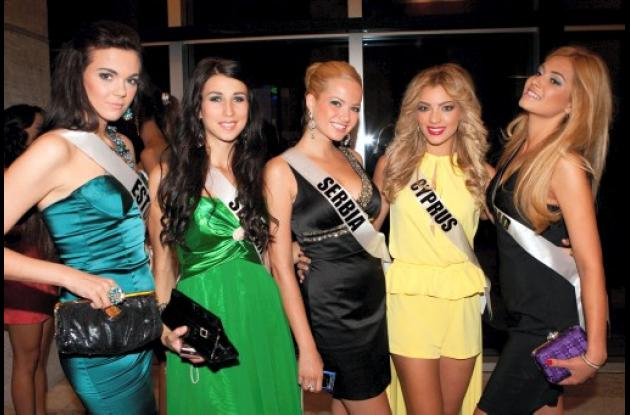 Cena para aspirantes a Miss Universo