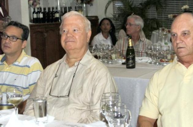 Cata de vinos en el Club Cartagena