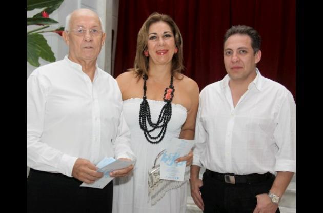 Fernando Cossio, Marta Mejía y Fernando Cossio Muñoz.
