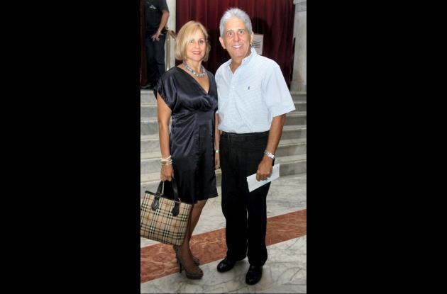 Martha Luz de Coronado y Carlos Coronado.