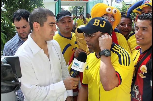 Aficionados colombianos en al estadio Metropolitano Roberto Melendez de Barranqu