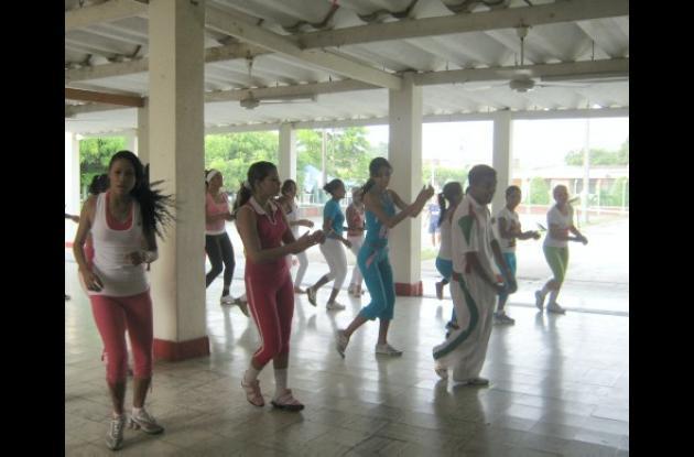 El Reinado Popular y Cultural de la Ganadería empezó ayer con ensayos coreográficos por parte de las candidatas.