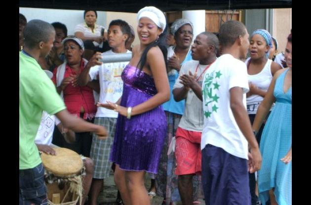 La comunidad afrodescendiente se gozó las fiestas del bullerengue en Puerto Escondido.