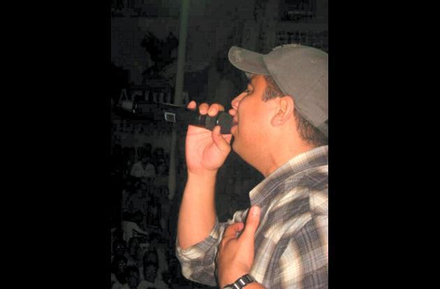 Felipe Peláez cerró la programación del sábado con un espectáculo que incluyó la interpretación de sus mejores canciones.