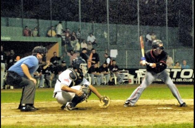 Las novenas de Los Leones de Montería y Toros de Sincelejo se enfrentarán en la fecha inaugural del Torneo de Béisbol Profesional que se abrirá el 23 de octubre en Colombia.