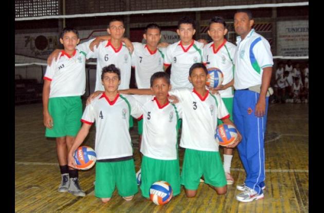 El equipo masculino de voleibol del colegio Villa Margarita, que representa desde ayer a Córdoba en la los Juegos Intercolegiados en Cartagena.