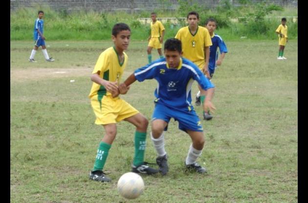 El equipo de fútbol del colegio Nacional José María Córdoba ayer derrotó 1x0 a Sucre en el zonal Nacional  de los Juegos Intercolegiados que se realizaron en Cartagena.