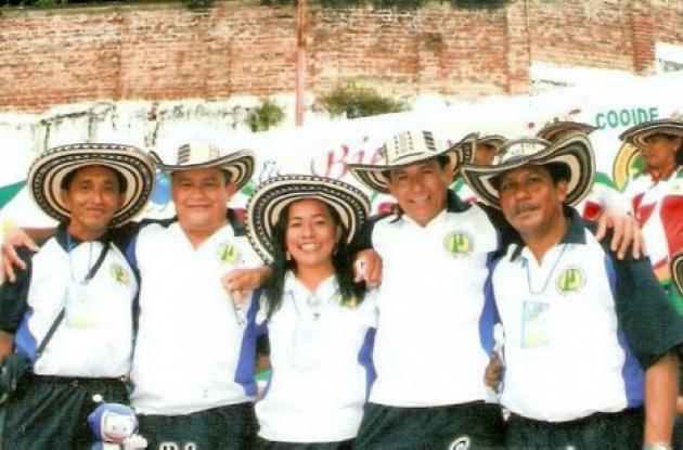 Jairo Buelvas, Elver Vergara, Dora Acevedo, Eugenio Sánchez  y Álvaro Cáliz, del equipo Cooeducord Córdoba.
