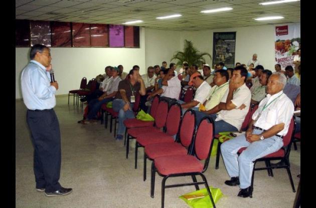 Ayer fue instalado el seminario Internacional sobre Manejo Eficiente de Sistemas Ganaderos Tropicales, en el auditorio de Tacasuán. Este evento hace parte de la 49 Feria Ganadera de Montería, que este año ha descentralizado algunas sus actividades del coliseo Miguel Villamil Muñoz.