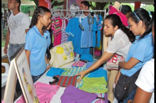 El evento se realizó en la cafetería del Centro de Comercio, Industria y Turismo.