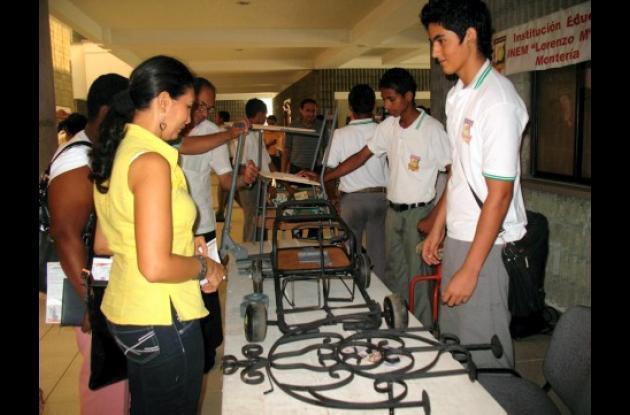 Los estudiantes mostraron proyectos que realizan en la educación técnica.