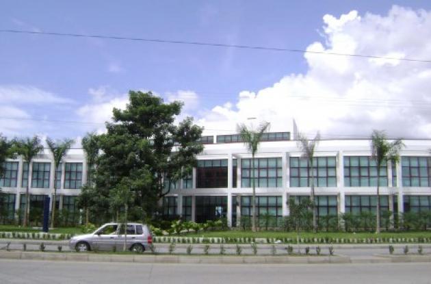 La falta de parqueaderos para el público en la sede de Electricaribe motivó la acción popular.