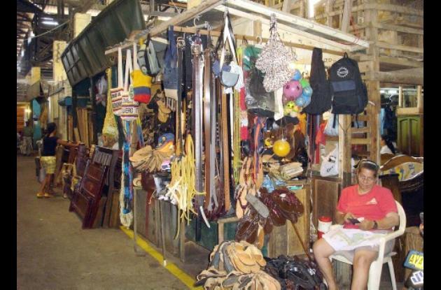 El mercado del centro se encuentra sin servicio de energía.