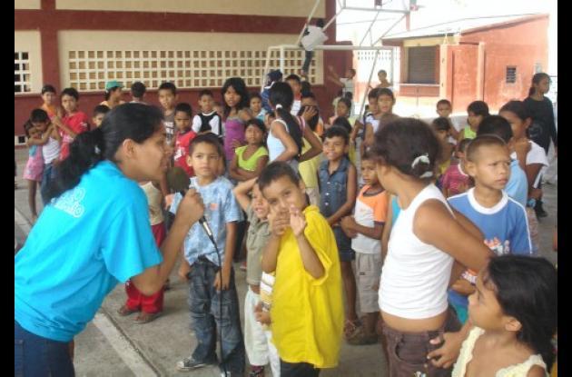 Más de 300 niños fueron atendidos en la brigada de salud.