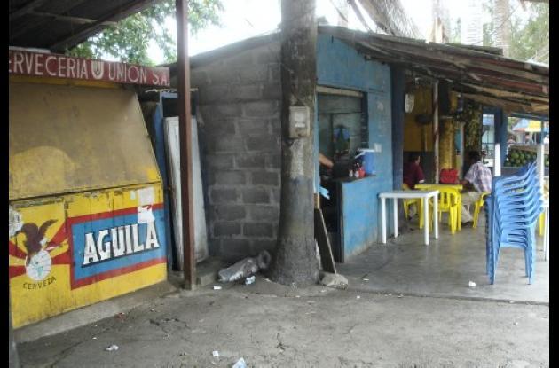 En muchos locales del Mercado del sur se venden bebidas alcohólicas.